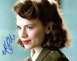 Hayley Atwell AUTOGRAPH Captain America SIGNED IN PERSON 10x8 photo AGENT CARTER