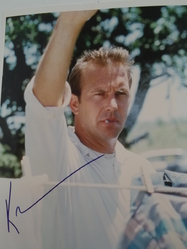 Costner, Kevin - authentic autograph