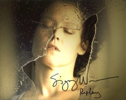 Sigourney Weaver AUTOGRAPH Alien 3 SIGNED IN PERSON 10x8 Photo