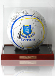 EVERTON 1984/5 ECWC Squad Signed Football