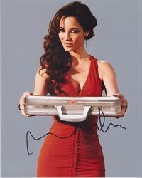 Berenice Marlohe Autograph SKYFALL 007 signed in person 10 x 8 photo