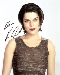 Neve Campbell signed 10x8 photo.