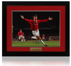 "Teddy Sheringham Hand Signed 16x12"" Framed Photograph"
