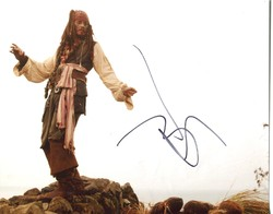 Johnny Depp Autograph PIRATES OF THE CARIBBEAN signed in person 10 x 8 photo
