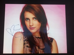 Emma Roberts Signed Posed 10x8 Photo