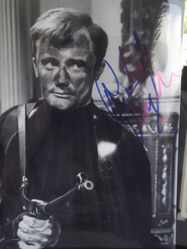 "Vaughn, Robert - ""Man from Uncle"" - authentic autograph"