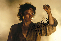 Elijah Wood signed 10x8 photo