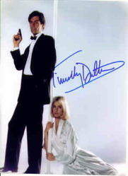"Timothy Dalton as Bond and Maryan d""Abo as Kara Milovy in The living Daylights"