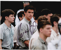 Liam Hemsworth Autograph HUNGER GAMES signed in person 10 x 8 photo