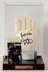Nigel Martyn Hand Signed Goalkeepers Glove