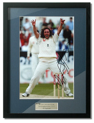 "Ryan Sidebottom hand signed 12x8"" photo"