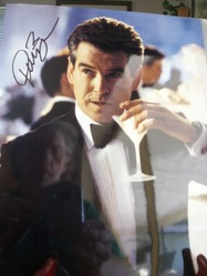 Pierce Brosnan as James Bond 11-0207