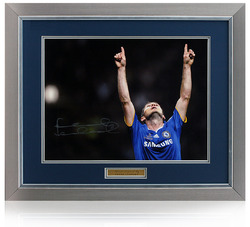 Frank Lampard hand signed 16x12 Chelsea photograph