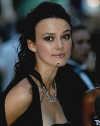 Kiera Knightley AUTOGRAPH 10x8 Photo Signed in Person