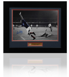 Rangers COLIN STEIN Hand Signed 1972 UEFA Cup Winners Cup Final Photo