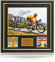 Sir Bradley Wiggins hand signed Tour De France presentation