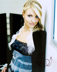 Cameron Diaz signed 10x8 photo.