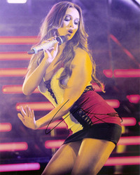 Una Healy signed 10x8 picture