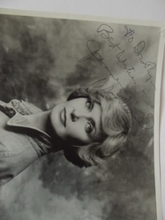 Woodward, Joanne - authentic autograph