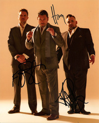 FUN LOVIN CRIMINALS SIGNED 10x8 PHOTO