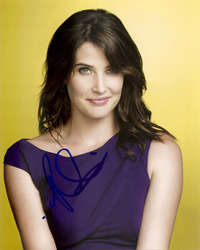 COBIE SMULDERS SIGNED 10X8 PHOTO.