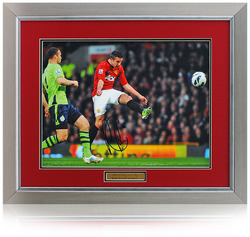 "Robin Van Persie Hand Signed 16x12"" Manchester United"