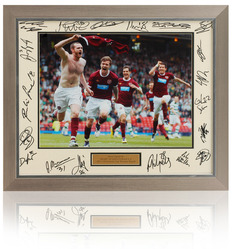 HEART OF MIDLOTHIAN Scottish Cup Hand Signed 23x19 Presentation