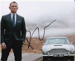 Daniel Craig as James Bond in Skyfall Signed 10x8 Photo