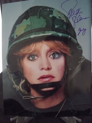 Hawn, Goldie - authentic autograph