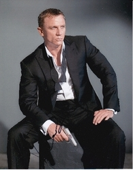 Daniel Craig Signed James Bond 10x8 Photo