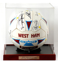 1980 West Ham United FA Cup Winning Team. LOT537