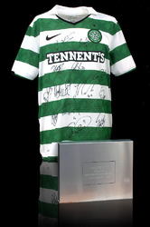 CELTIC F.C. Shirt Hand Signed by 2011/12 SPL Squad