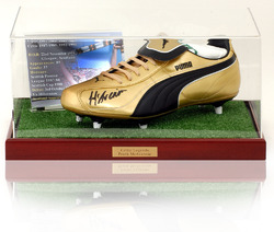 Frank McAvennie hand signed Celtic Football Boot Display