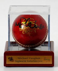 Michael Vaughan hand signed Cricket Ball (LOT651)
