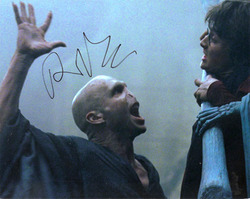 Ralph Fiennes signed 10x8 photo.