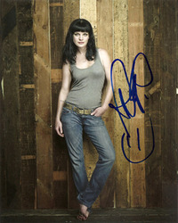 Pauley Perrette signed 10x8 photo.