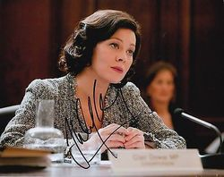 Helen McCrory Autograph SKYFALL 007 signed in person 10 x 8 photo
