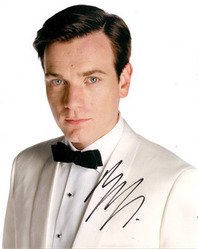EWAN MCGREGOR SIGNED 10X8 PHOTO