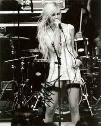 Taylor Momsen signed picture