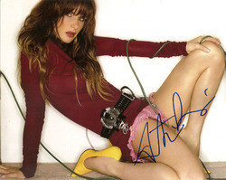 Juliette Lewis signed 10x8 photo.