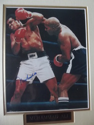 Ali, Muhammad - authentic autograph