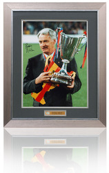 Bobby Robson hand signed Barcelona photograph