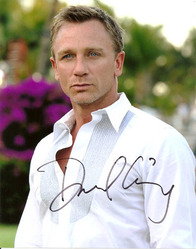 Daniel Craig signed 10x8 photo