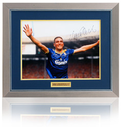 Vinnie Jones Hand Signed 1988 FA Cup Final Photo.