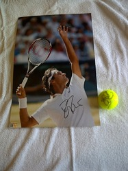 roger federer signed photo and tennis ball