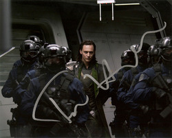 TOM HIDDLESTON signed photo.