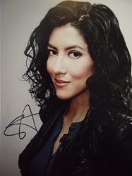 Beatriz, Stephanie - authentic autograph