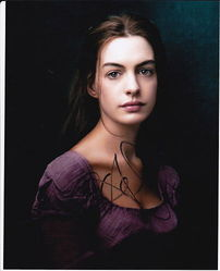 Anne Hathaway Autograph Les Miserables signed in person 10x8 photo