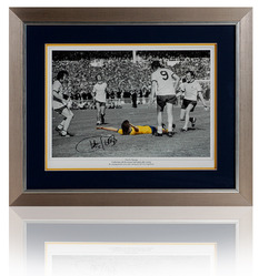 Charlie George hand signed 1971 FA Cup Final photograph