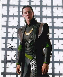 Tom Hiddleston Autograph LOKI signed in person 10 x 8 photo AFTAL